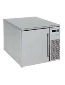Compact blast chillers
