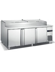Refrigerated table for pizza preparation