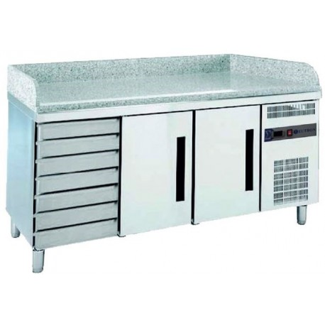 Refrigerated GN table for pizza preparation with drawers