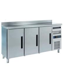 Frente mostrador refrigerado con tolva