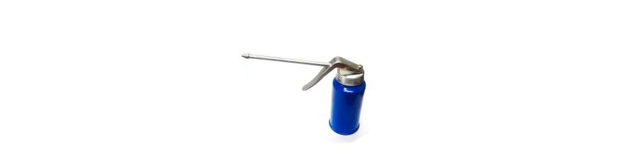 Metal oiler