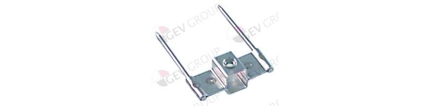 Skewer clamp for chicken rotisserie